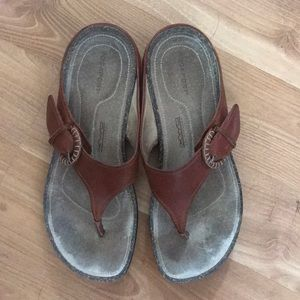 Rockport slippers brown leather size 7